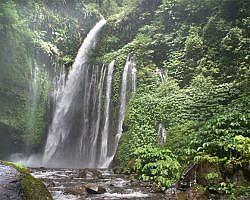 waterfalls tour in Lombok