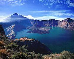 view of crater rim on Gunung Rinjani
