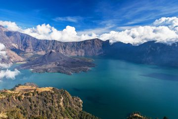 best adventure vacation rinjani crater rim