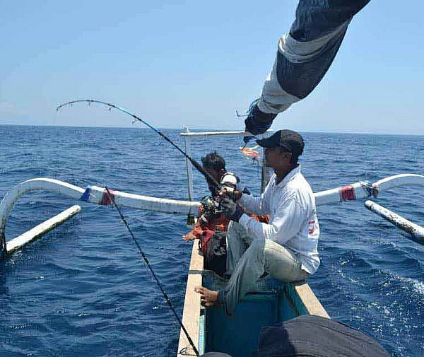 best island hopping fishing vacation